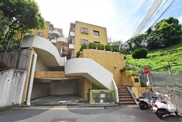 -現地写真- 阪急「夙川駅」徒歩14分 分譲駐車場1台権利付きです。