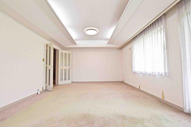 空間全体が広いため、模様替えで家具のレイアウトを変えていろいろ楽しめそうですね。
