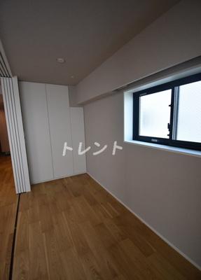 【寝室】イニシア築地レジデンス