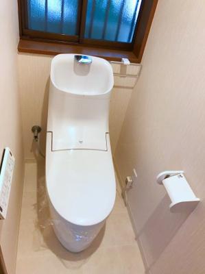1階トイレも新品です♪