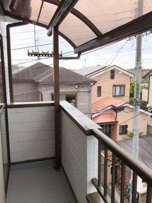 3階のバルコニーにはテラス屋根がついてます♪急な雨でも安心ですね♪