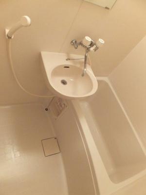 風呂・トイレ別です
