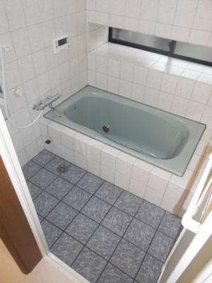 ゆったりした浴室