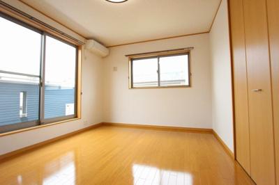 ゆったりした洋室です:リフォーム完了しました♪平日も内覧出来ます♪三郷新築ナビで検索♪