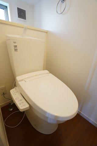 【同仕様施工例】階段下収納です。掃除機や季節物の家電を収納するのに便利です。