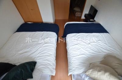 【寝室】ソレイユ谷町