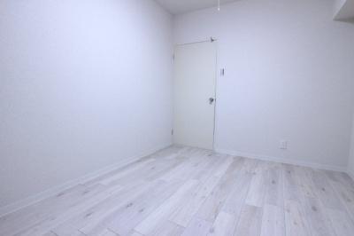 【寝室】ロイヤルメゾンアドニス