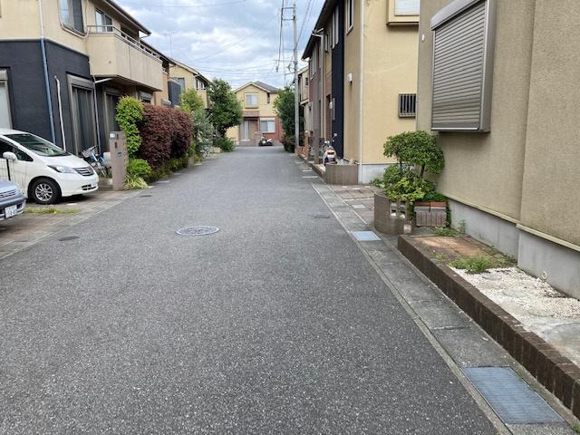 【前面道路含む現地写真】高田戸建住宅