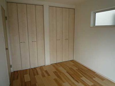 収納も十分な洋室です