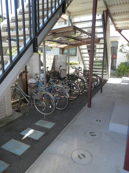 自転車も置けます