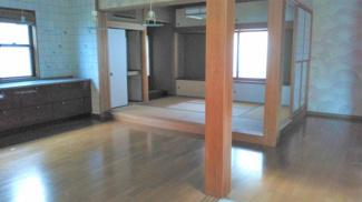 ■和室と一体型のリビングです <越谷市東越谷7丁目 中古戸建>