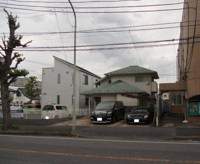 常磐緩行線・武蔵野線「新松戸駅」徒歩9分。 建築条件なし売地。50坪以上。 共同住宅・店舗・事務所に適しております。
