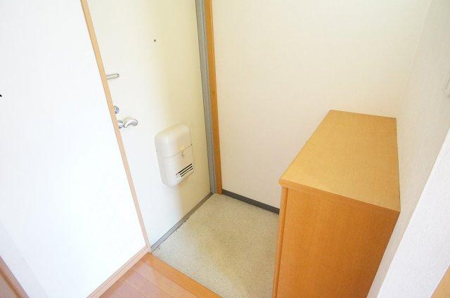 【玄関】サンシャルム万代