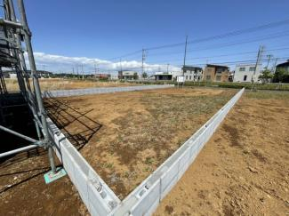広々約61坪の敷地 区画整備されておりますので前面道路も広く約18.0m