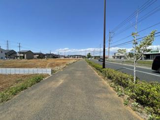 北東側18m公道 間口約10.2m