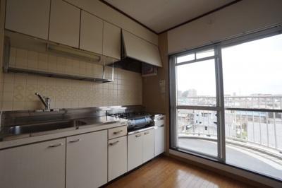 【キッチン】志木ニュウータウン南の森壱番街2号棟