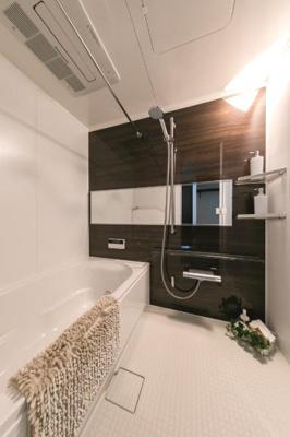 【浴室】ファミール甲子園六石町