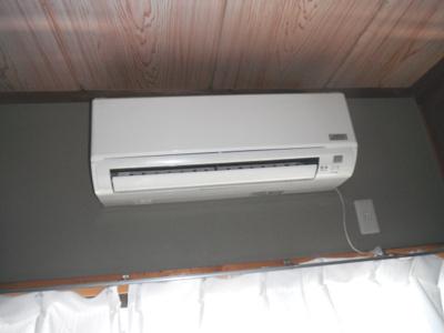 エアコンが付いているので、1年中快適に過ごせますね。
