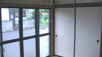 駐車場側の和室です。