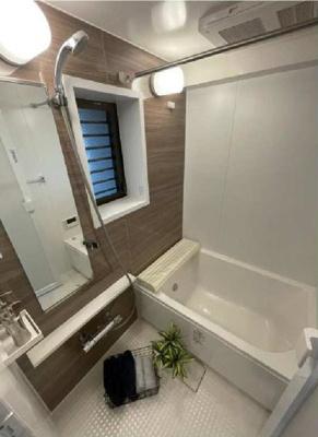 ユニットバス交換済み、浴室換気乾燥機暖房機・追い焚き付き。