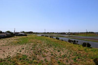 田園風景が目の前に広がっており、静かにすごせる物件です!