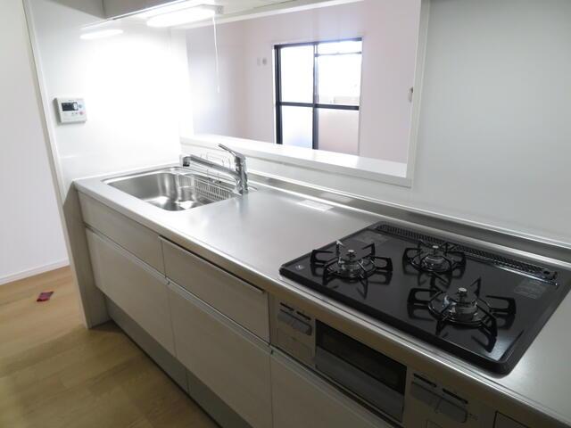 【キッチン】エメラルドマンション新宮