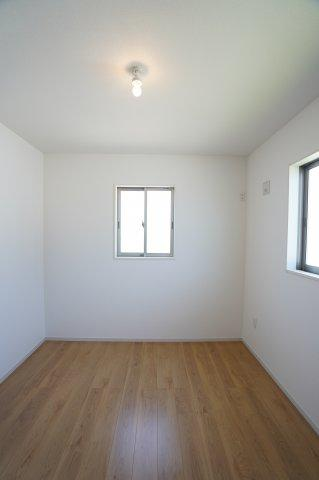 【同仕様施工例】各居室シンプルな洋室で使いやすいです。