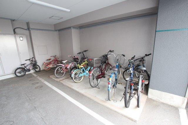 【駐輪場】ロワールマンション新室見Ⅱ