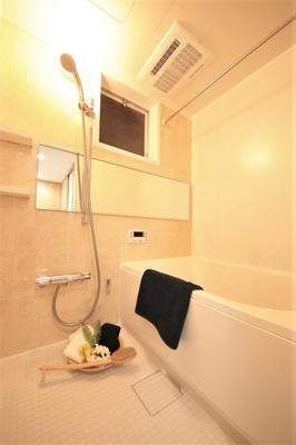 ユニットバス、浴室換気乾燥暖房機、追焚給湯器新規取付。