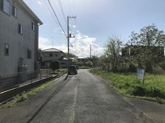 前面道路(東から西)