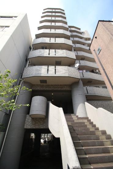 「横浜」駅徒歩11分 南西角部屋7階部分 陽当り・通風・眺望良好 バルコニーからランドマークタワーが望めます!アフターサービス保証付 住宅ローン減税適合物件