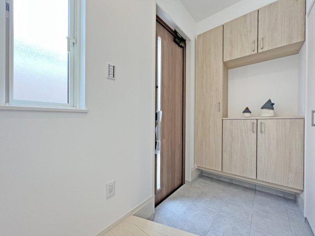 ◎福山市東川口町:デザイン&機能性に拘ったハイクオリティな新築戸建オール電化 No.3 ◎この物件の建築会社に興味がある方はご連絡ください。この会社の完成物件で設備仕様をご確認頂けます※遠方の場合あり