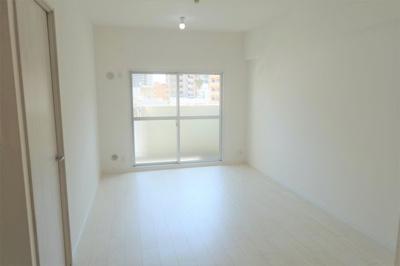 南向き・2LDK! 白を基調とした明るいお部屋です♪