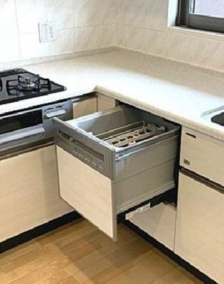 食洗機付きシステムキッチンです!