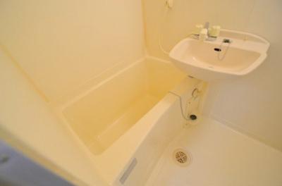 【浴室】リバーフロントさつき
