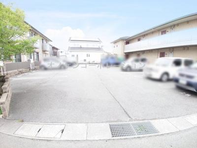 【駐車場】メルベーユ・トモ