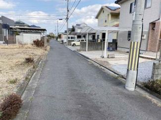 【前面道路含む現地写真】蒲生運竜王町薬師 中古戸建