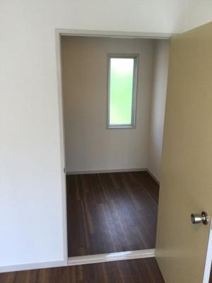 2階東南側洋室のウォークインクローゼットです。