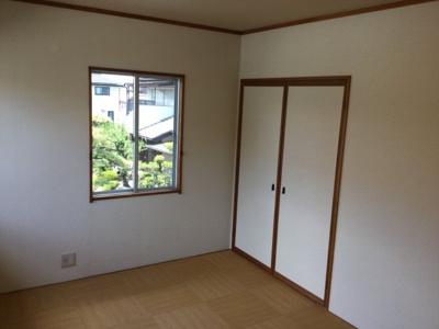 2階南西側洋室収納。