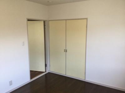 2階北西側洋室収納。