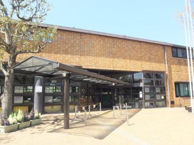 図書館金剛東