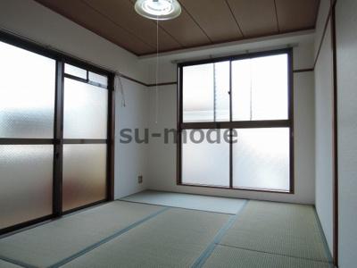 写真は同マンション別部屋