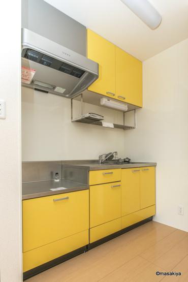 キッチン 黄色が素敵です。