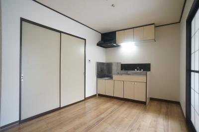 5.4帖のキッチンスペースです♪広めのキッチンスペースで毎日楽しくお料理もできますね!