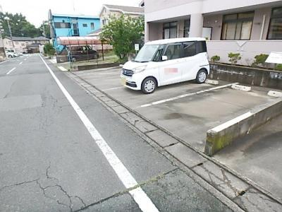 【駐車場】メープルパレス