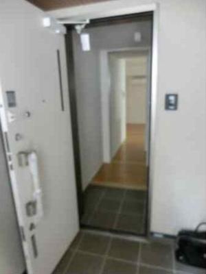 【玄関】ファミール日本館