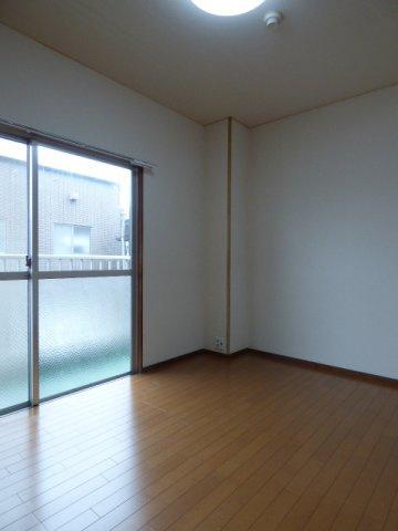 北側居室は壁面が多い分、家具のレイアウトも自由度がUP!