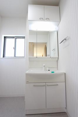 使いやすい独立洗面台です:リフォーム完了済です♪平日も内覧出来ます♪八潮新築ナビで検索♪