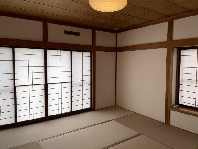 1階和室 8帖あるので、主寝室にも十分の広さがあります。