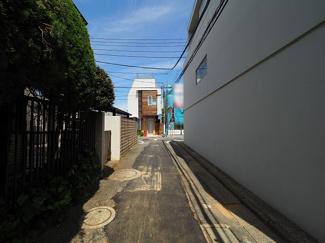【前面道路含む現地写真】世田谷区奥沢6丁目 中古戸建